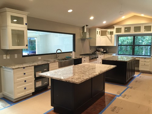 The Cabinets Are Ben Moore Dove White And Walls Benjamin 1543 Plymouth Rock Which Is A Taupe Color
