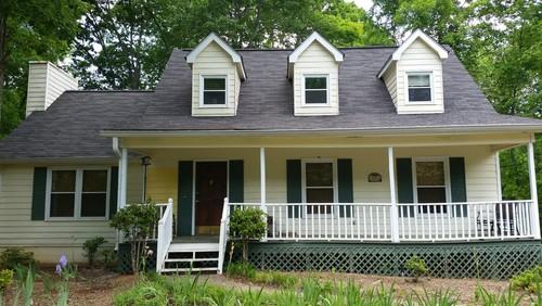 Exterior paint cape cod house for Cape cod exterior color schemes