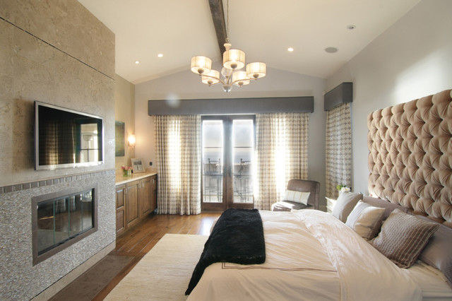 Modern spanish mediterranean bedroom los angeles for Small room in spanish