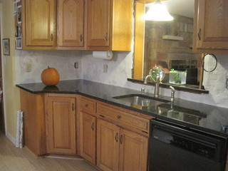Honey Oak Ubatuba Which Backsplash