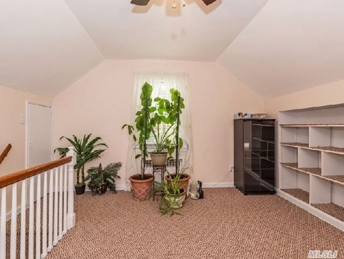 Upstairs Foyer Ideas : Need help with upstairs landing and small bedrooms