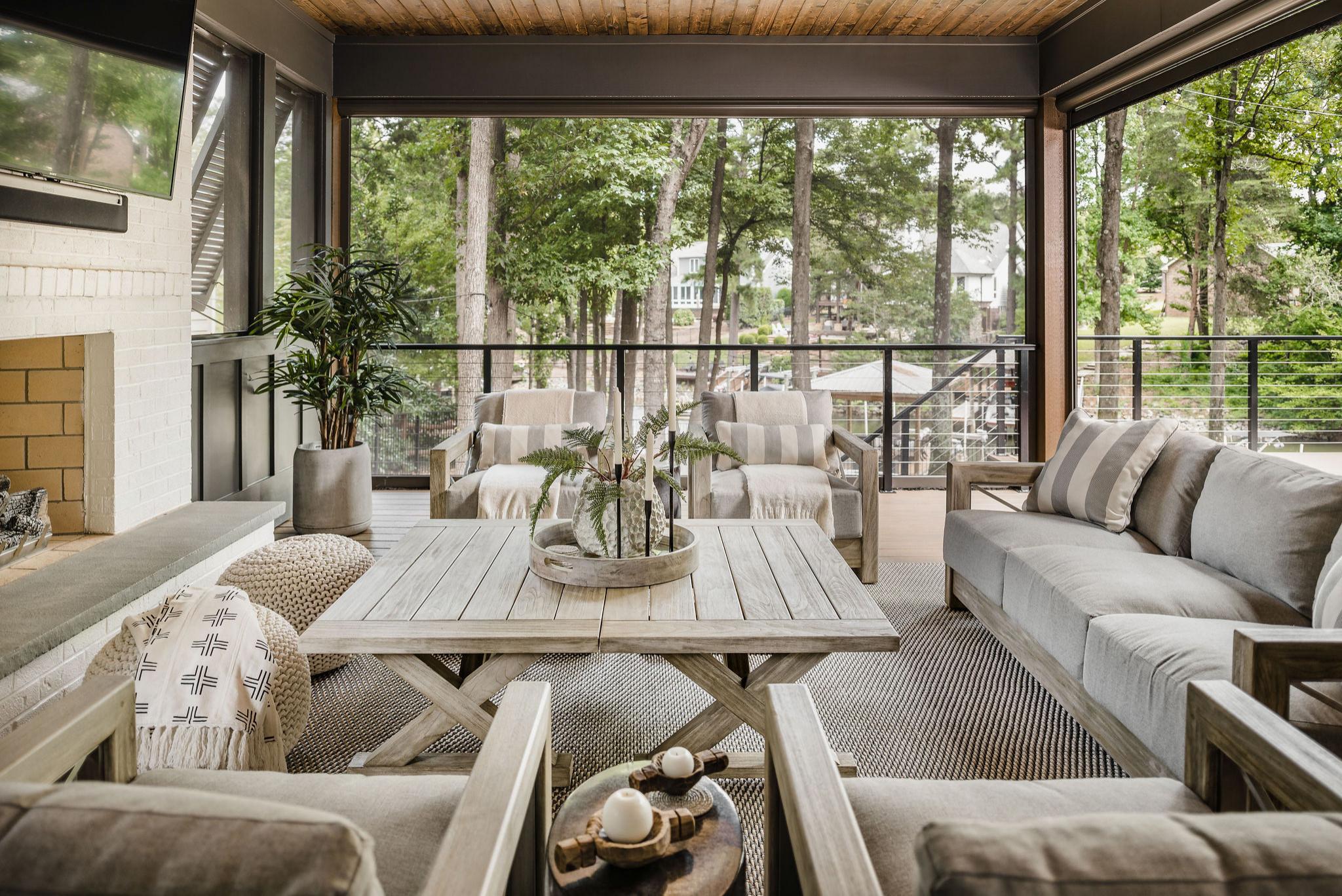 Lake Norman - indoor-outdoor living