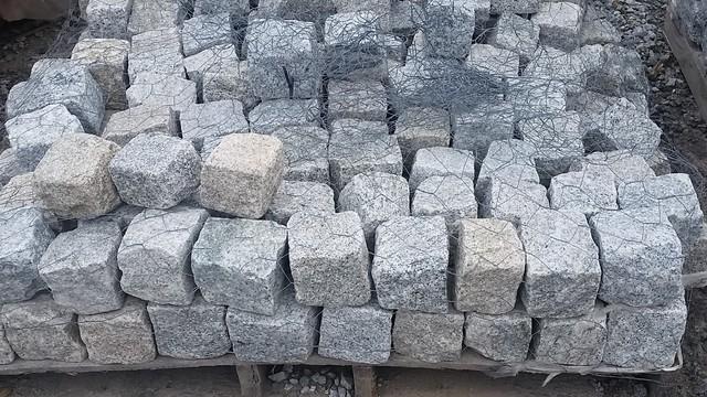 Granite Cobblestones 4x4x4
