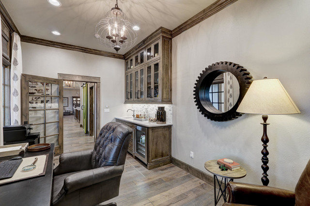 Country home design photo in Oklahoma City