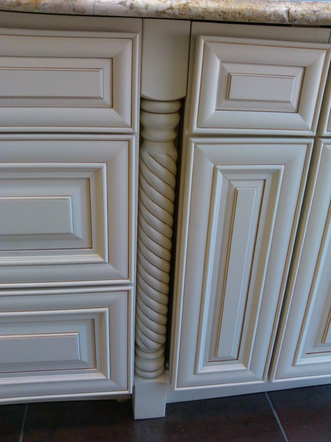 Linen RTA Cabinets - Traditional - Chicago - by World Craft Cabinetry