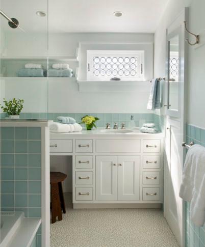 Cape cod retreat bord de mer salle de bain boston par payne bouchier - Salle de bain bord de mer ...