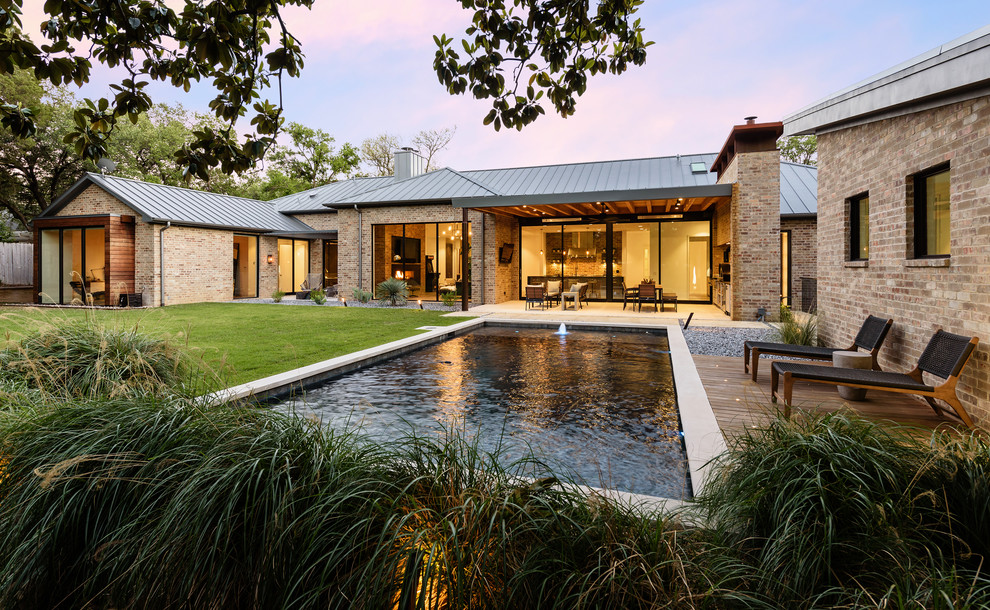 Inspiration for a contemporary home design remodel in Dallas