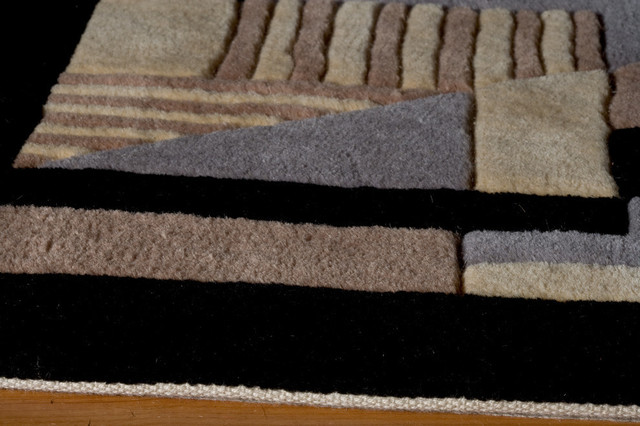 "New Wave Hand-Tufted Rug, Black, 2&x27;6""x8&x27; Runner."