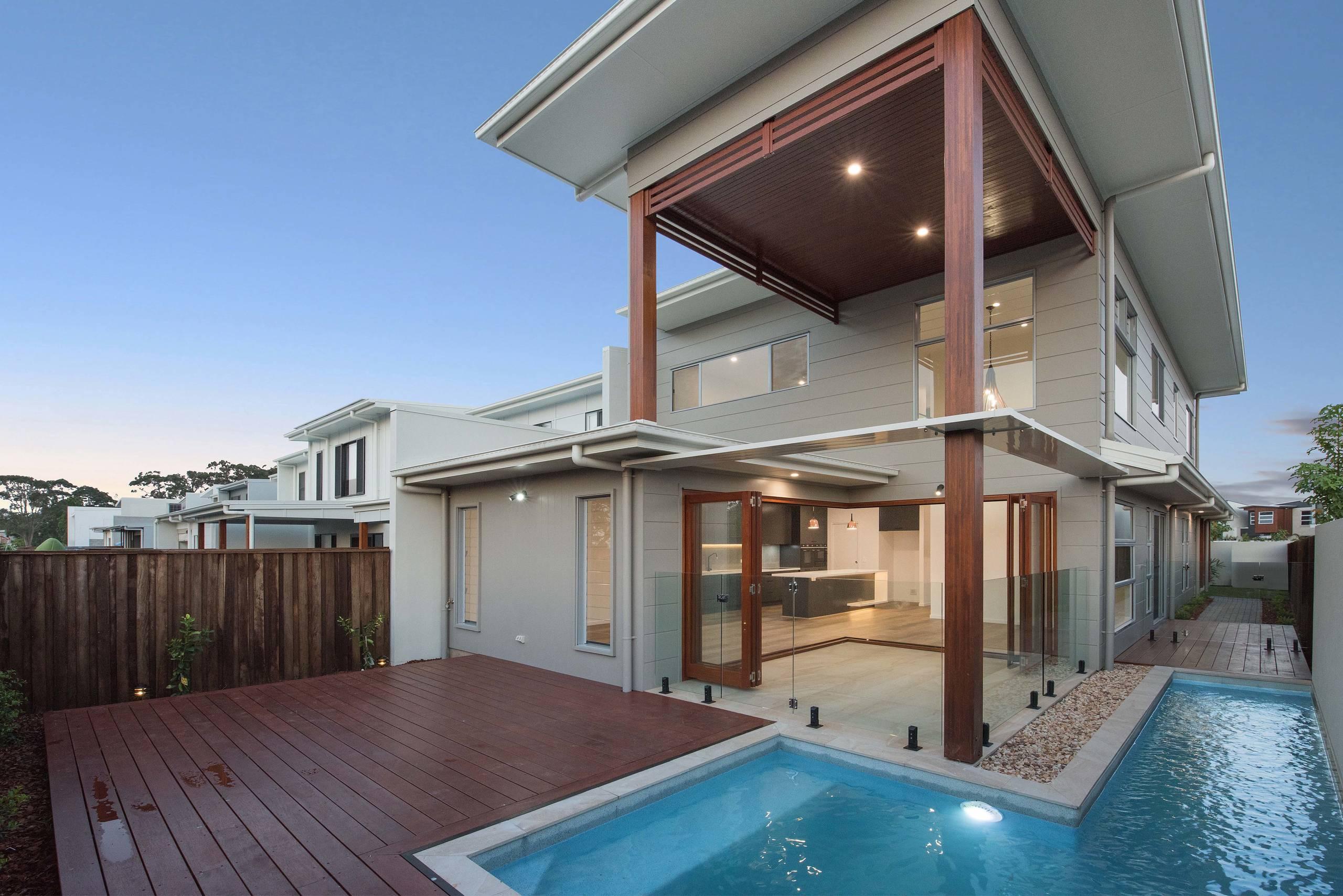 Deck & Pool Area