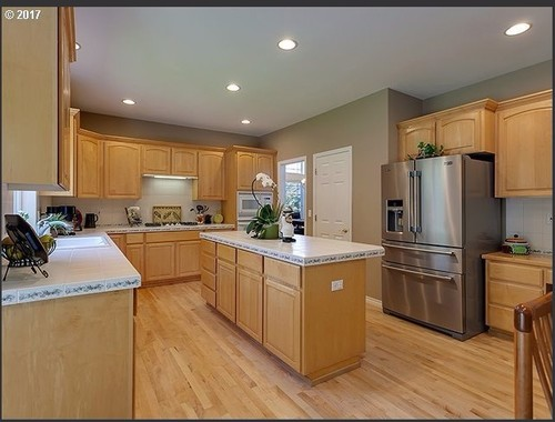 choosing right granite countertop color for light maple ... on Maple Cabinets White Countertops  id=91377