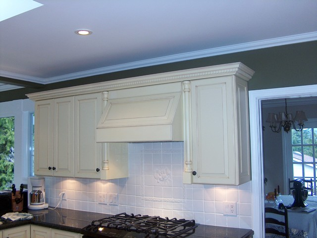 Antiqued White Cabinets Amp Range Hood Traditional