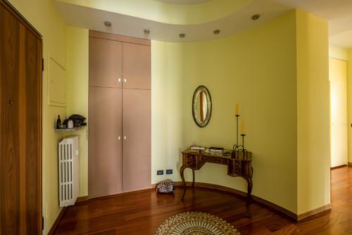 Colori pareti ingresso e soggiorno idee per il design for Idee colori pareti ingresso