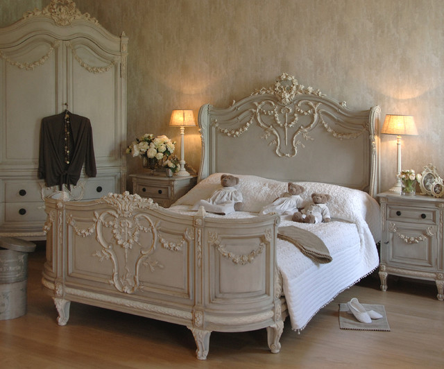 Bonaparte french bed shabby chic style bedroom for Lampe style shabby chic