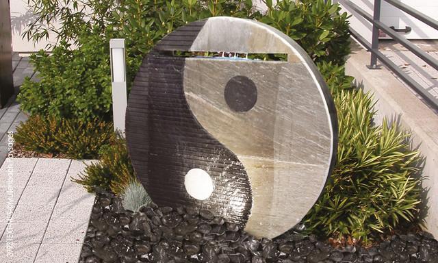 gartenbrunnen yin yang klassisch garten n rnberg. Black Bedroom Furniture Sets. Home Design Ideas