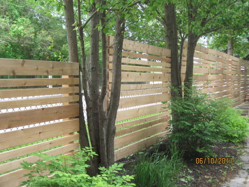 If You Opt For A Chain Link Fence Your Home This Is Great Way To Make It Prettier While Still Enjoying The Low Cost Protection These Fences Offer