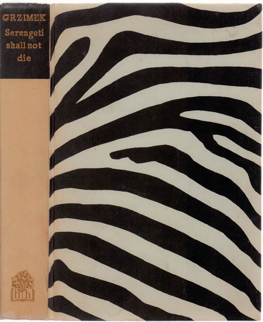Decorative Book Serengeti Shall Not Die Traditional