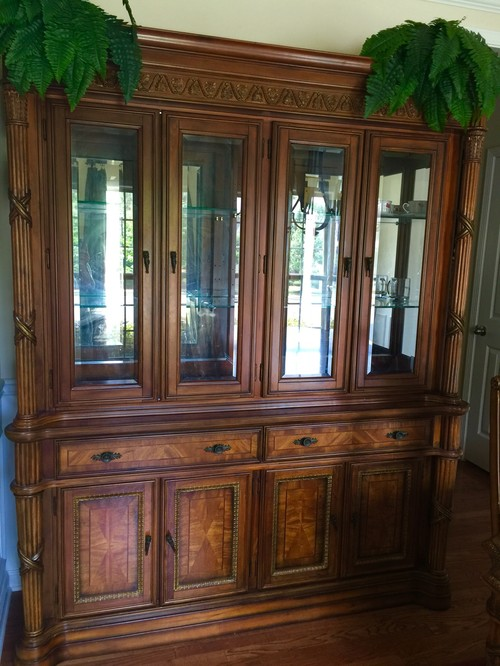 Mixing Old Furniture To Modern Decor