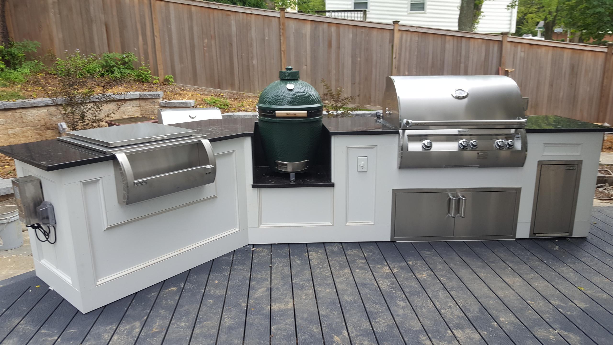 Outdoor Kitchens/Built-in Grills