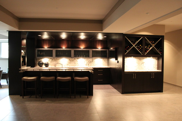 Transitional kitchen photo in Indianapolis