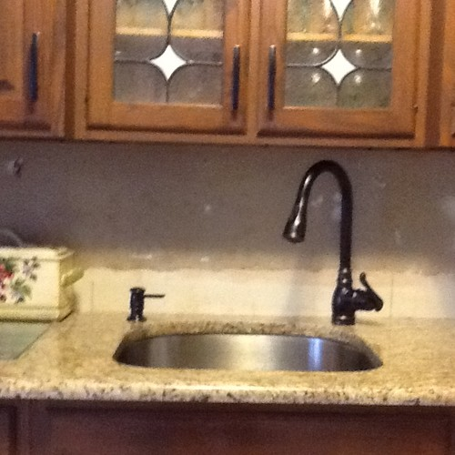 backsplash ideas to compliment santa cecilia granite