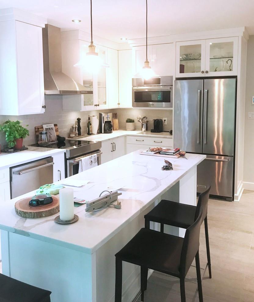 White Contemporary Kitchen Make Over Cuisine Blanche