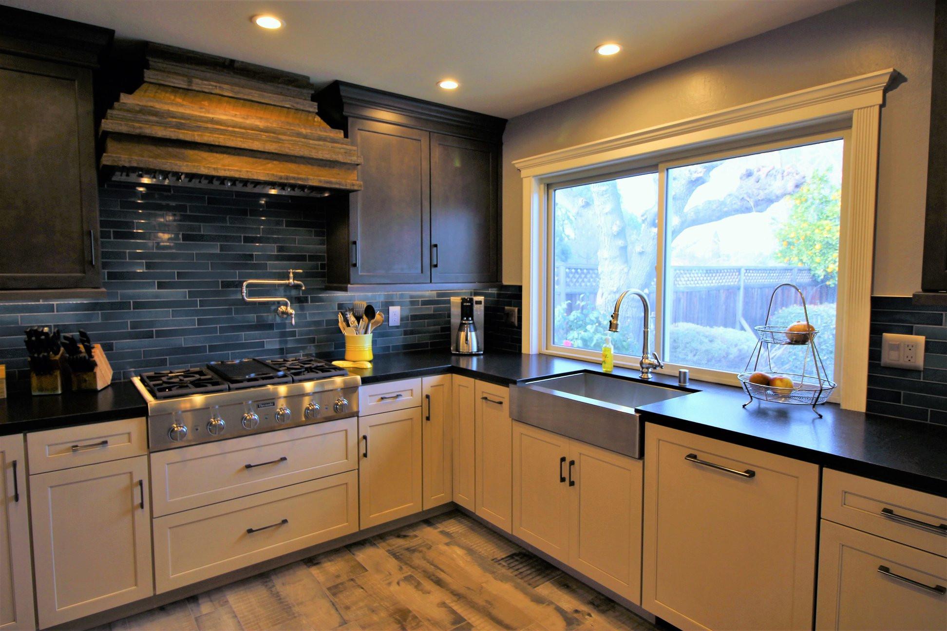 Warm-tone Kitchen