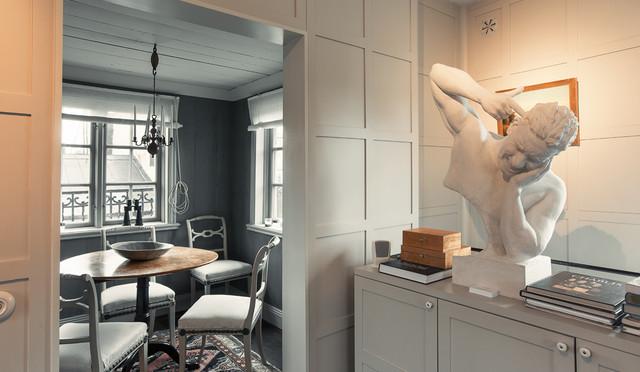 Inred i modern herrgårdsstil u2013 så blandar du klassiska och nya möbler
