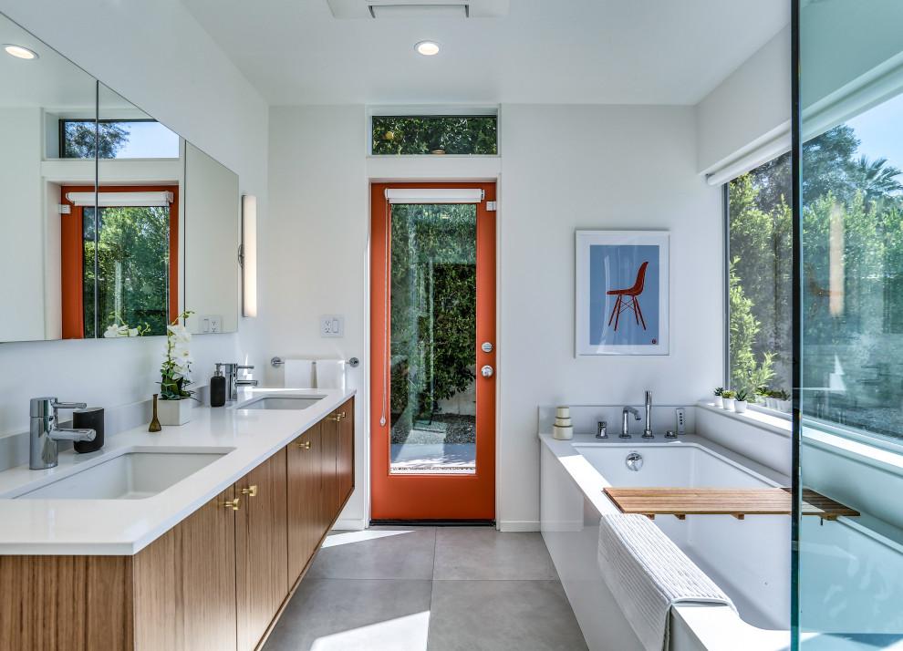 Home design - mid-century modern home design idea in Other