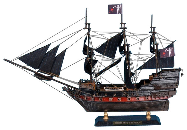 Blackbeards Queen Annes Revenge Limited Model Pirate Ship Black
