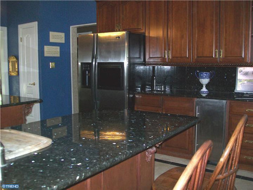 Need Help With Wall Colors Pic Attached Kitchen Has Blue Pearl Countertops And Dark Cabinets
