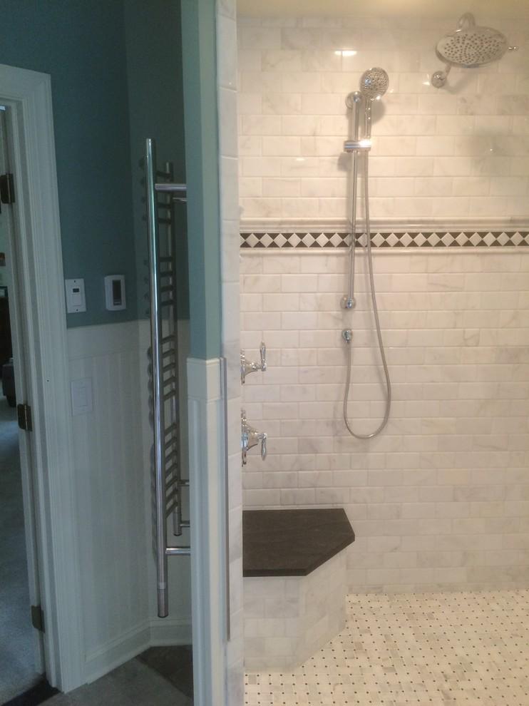 Transitional bathroom photo