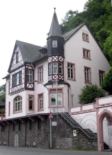 What Is The Architectural Style Of This Home Built In 1892 Germany
