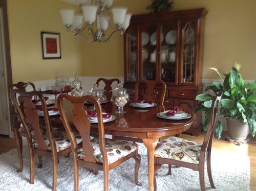 updating 1980s queen anne dining table, hutch and buffet? see pics.