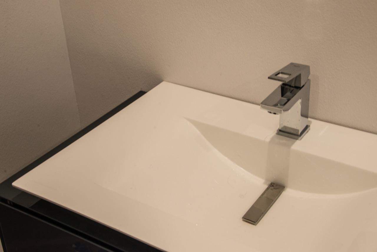 SAN JOSE MODERN Bathroom .