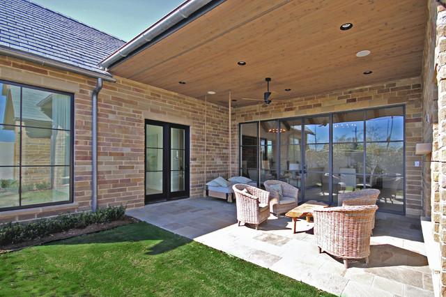 Minimalist home design photo in Dallas