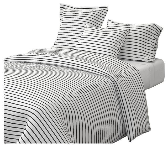 Thin Stripes Black On White Horizontal