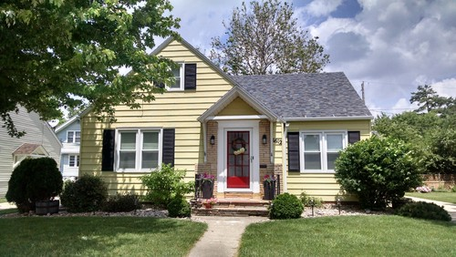 Need help with exterior paint color scheme for 1940s homes exterior design