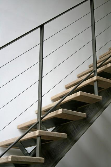 style industriel poutre centrale ipn acier brut contemporain rennes par hallou escaliers. Black Bedroom Furniture Sets. Home Design Ideas