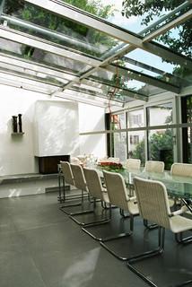 on the sunny side minimalistisch esszimmer m nchen. Black Bedroom Furniture Sets. Home Design Ideas