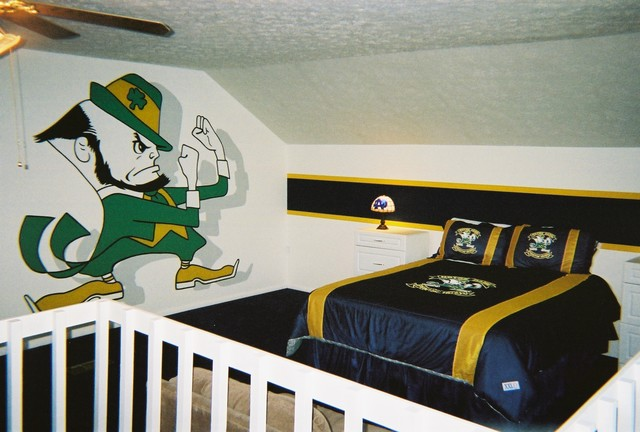 Notre Dame Themed Loft Murals By Tom Taylor Of Wow Effects
