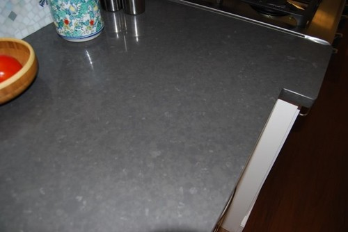 Which Color Silgranit With Caesarstone Raven Medium Grey