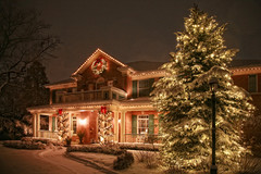 A Holiday Lighting Pro Talks Nets, Ladders and Design