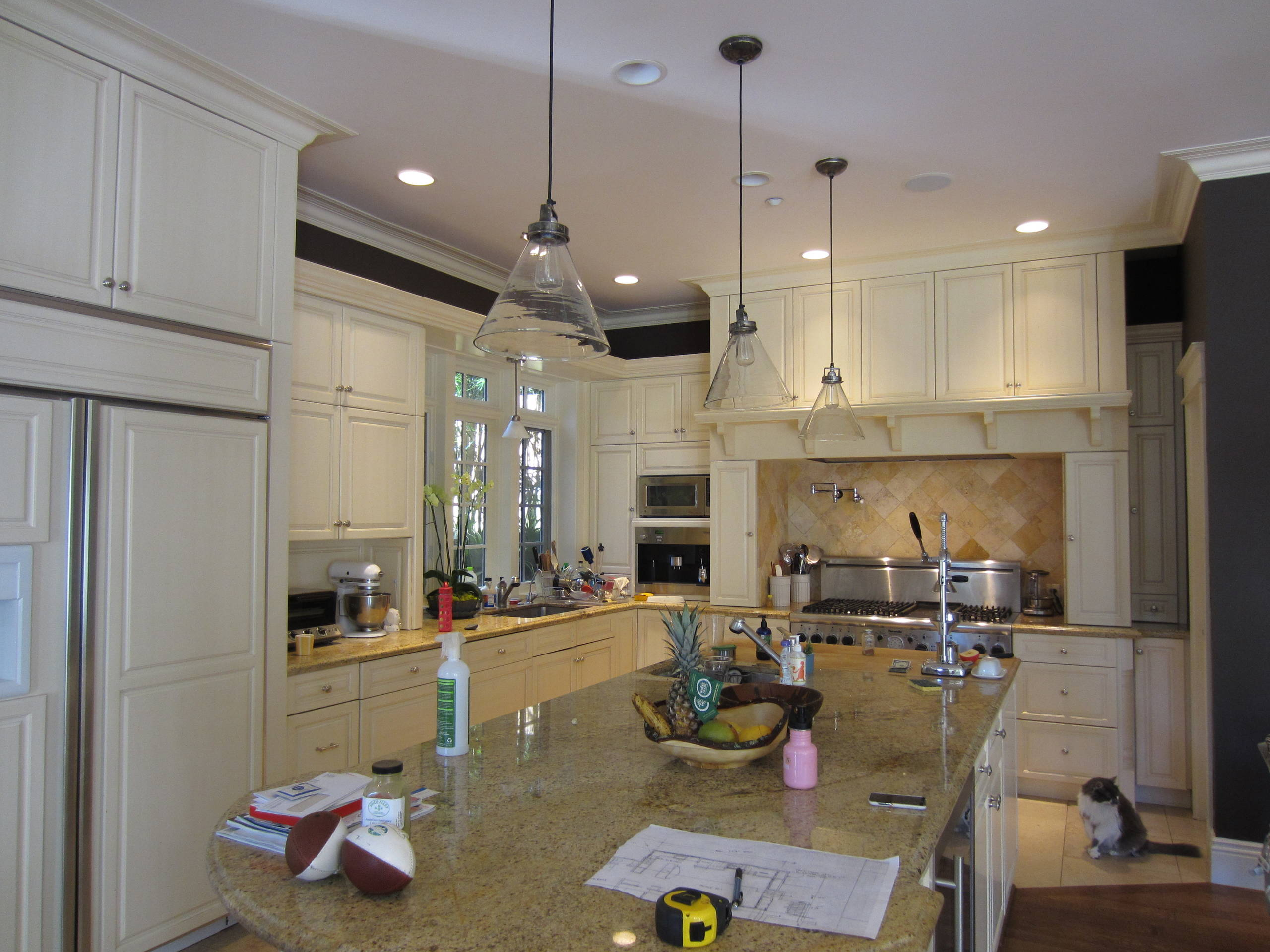 Open Plan Traditional- Modern Living For Today's Family