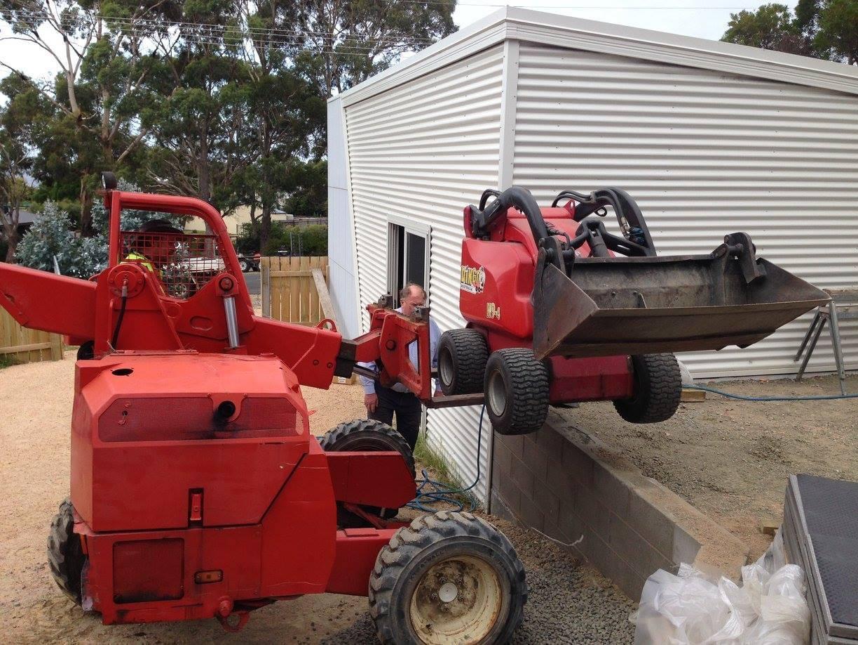 Excavators & Machinery