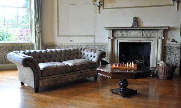 Kingsley Chesterfield Sofa