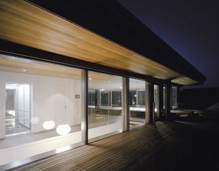haus an der donau modern m nchen von eber. Black Bedroom Furniture Sets. Home Design Ideas