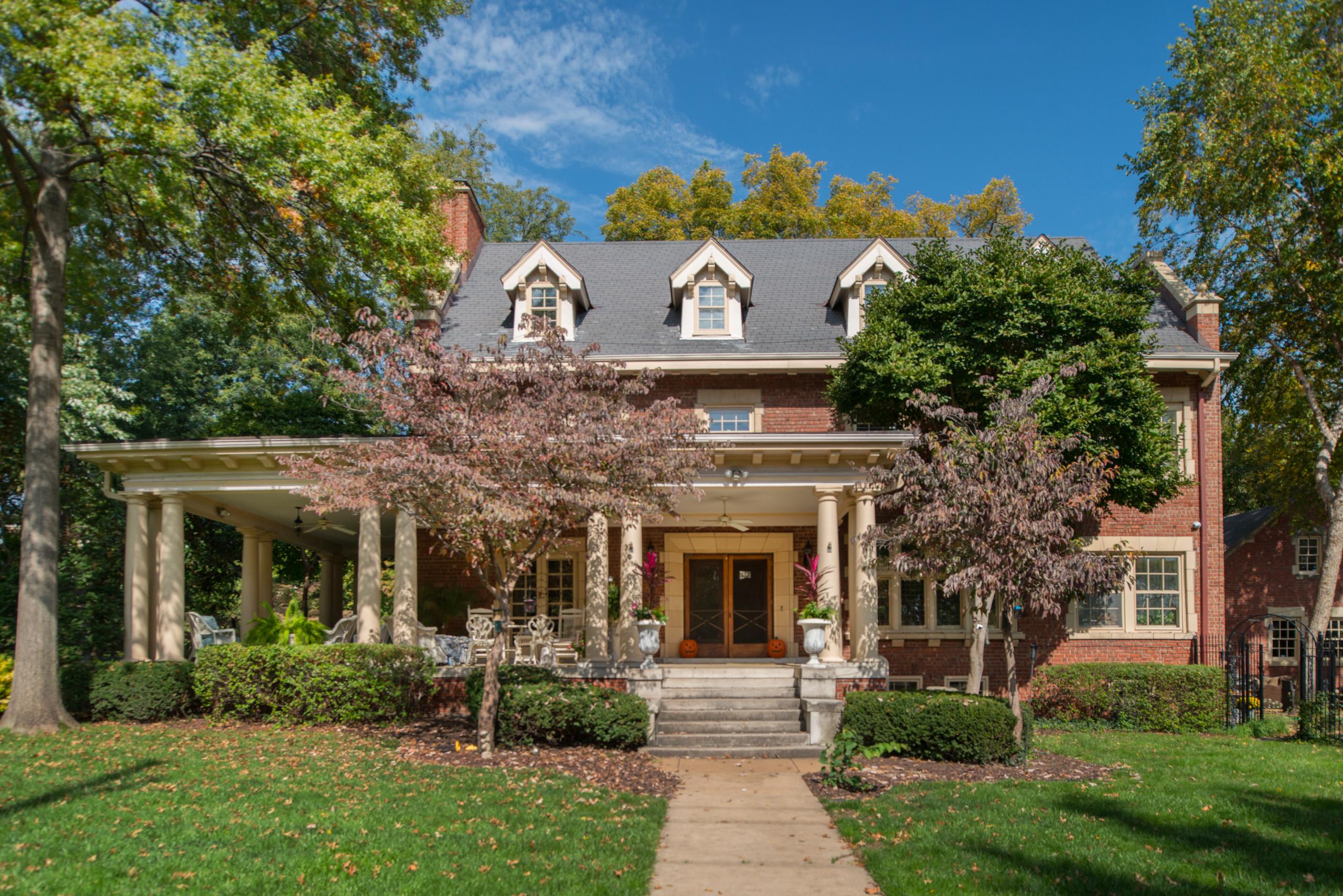 Colonial in Roanoke
