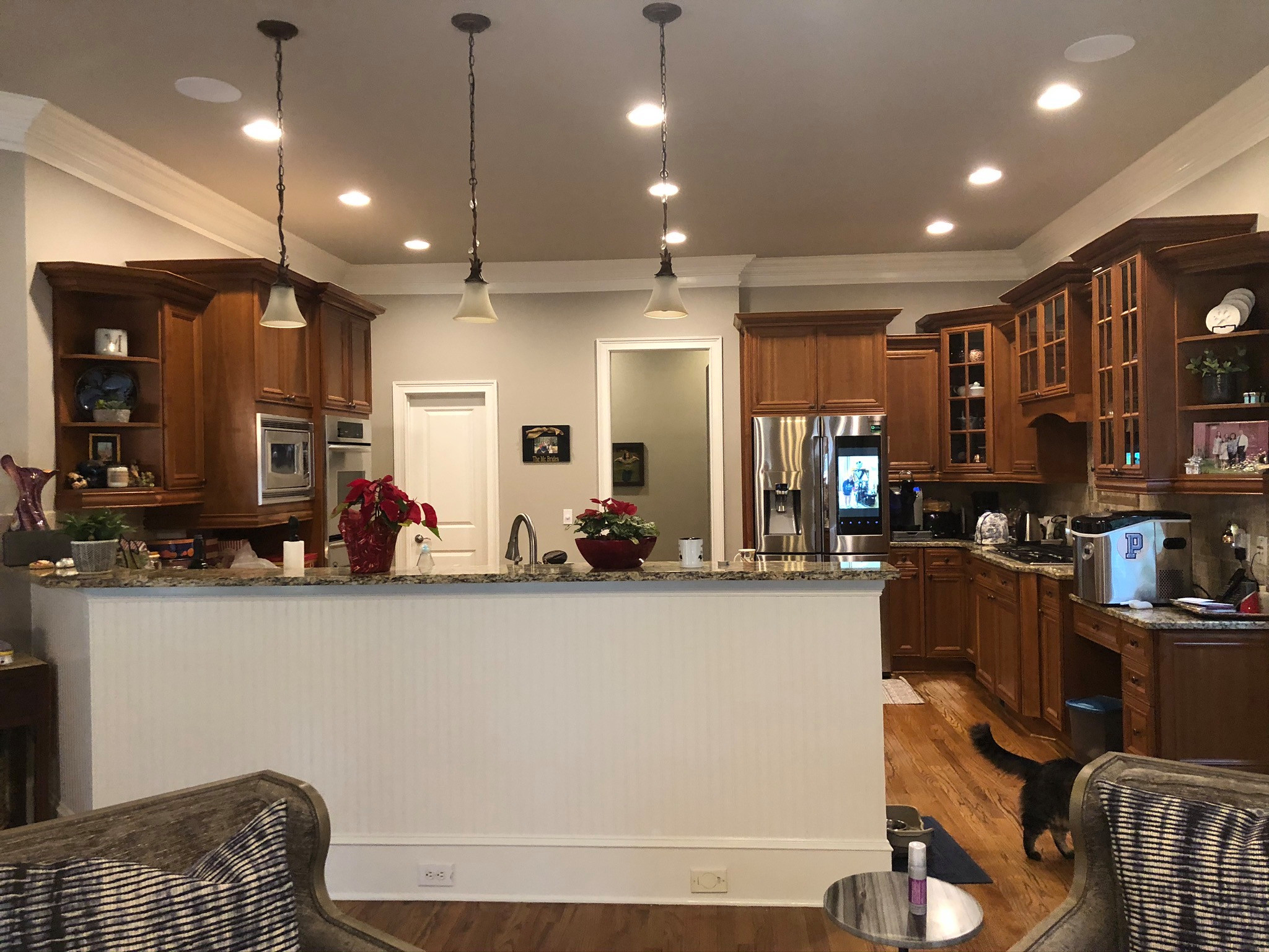East Cobb Clean and sophisticated Kitchen