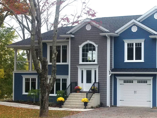 Cabot Blue Vinyl Siding Traditional