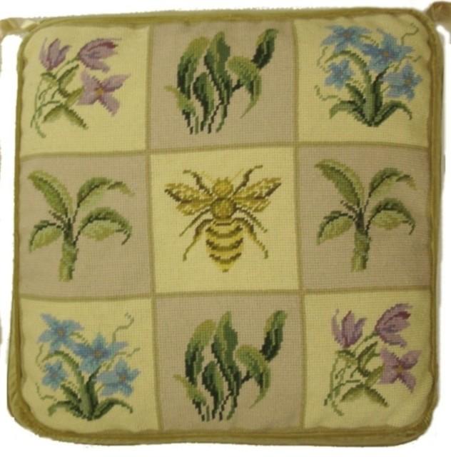 Bee Chair Pad, 18x18.